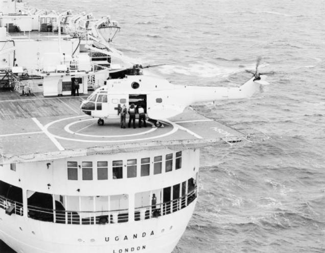 Puma helicopter carrying Argentine wounded to British Hospital Ship Uganda, IWM (FKD 86)